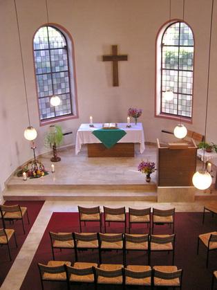 Blick in den evangelischen Teil der Kirche